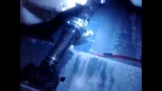 Whirlpool AWE 6415 ремонт амортизатора(Временное восстановление работоспособности амортизатора стиральной машины (до замены) посредством хомута..., 2014-02-08T21:41:01.000Z)