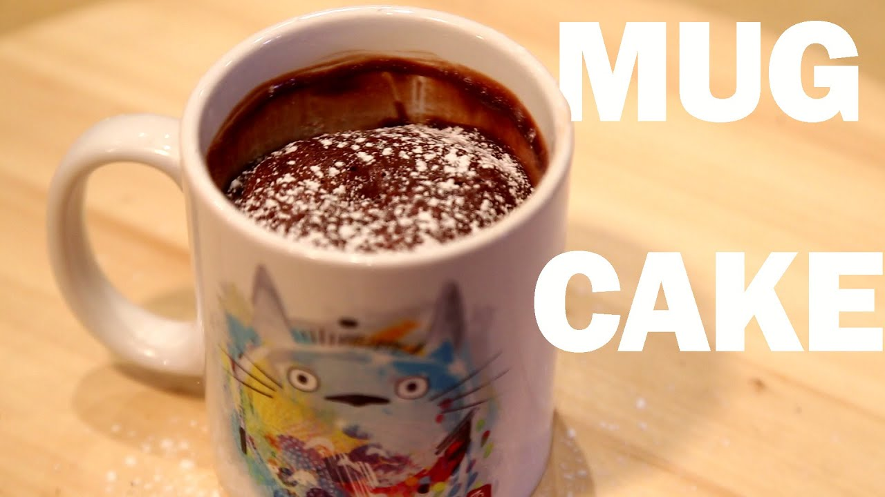 mug cake moelleux au chocolat au micro onde instant cuisine youtube. Black Bedroom Furniture Sets. Home Design Ideas