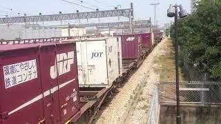 JR貨物 博多臨港線 福岡貨物ターミナル駅の風景 DE10形ディーゼル機関車が通過 2015年8月6日