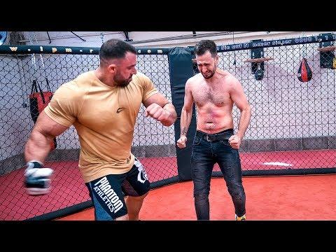 Bodybuilder schlägt den Lauch Knockout!?