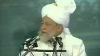 Did Mirza Ghulam Ahmad break the cross? - Ahmadiyya