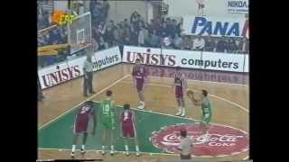 Γκάλης (36 ετών) vs Ολυμπιακός / Σιγάλας - 21 πόντοι / 8 ασίστ