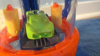 Hot Wheels Race & Rinse Car Wash Playset with Real Working Water Racing Alley Track