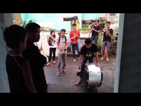 Caroling marching band