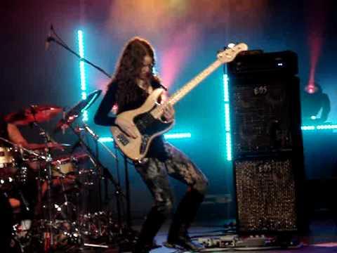 Jeff Beck Tal Wilkenfeld Bass Solo Blue Wind Doovi