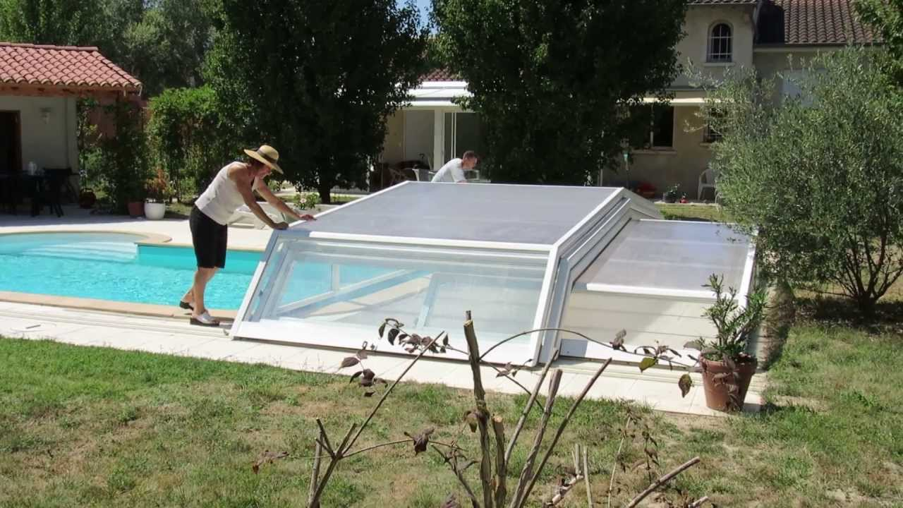 Ouverture d 39 un abri de piscine bas t lescopique venus for Abris de piscine venus international