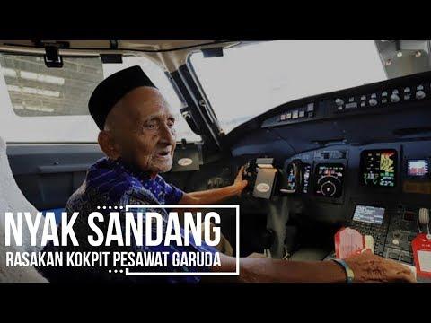 Nyak Sandang Rasakan Kokpit Pesawat Garuda