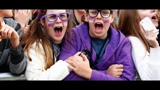 Justin Bieber ● Surprises Fans (Crazy Reactions) ● 2017 ● HD
