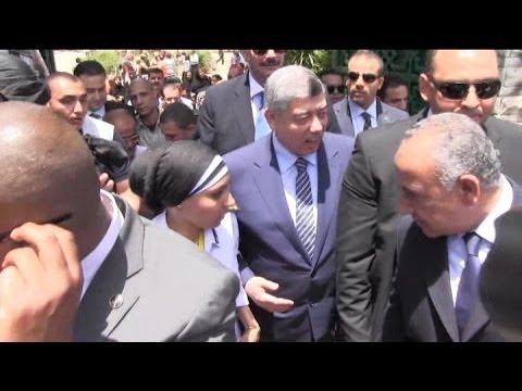 26052014 0001VID EGY Interior Minister casts votes STRINGERS وزير الداخلية محمد ابراهيم