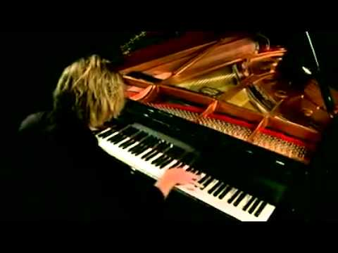 The Best Piano Player