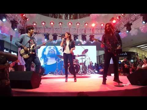 Sara Haider Manwa Re and Sanu Aik Pal - Miss Veet - Noori Ocean Mall Concert 5