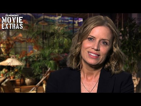 Miss Peregrine's Home For Peculiar Children  Onset visit with Kim Dickens 'Jake's Mom'