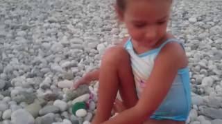 Море вечером😉Играем игрушками. Маша и медведь😉Маша на велосипеде.Видео для детей. Игра для детей🎈(Играем на море. Маша играет с собачками. Маша и медведь на велосипеде.Маша плавает в море. Видео для детей...., 2016-08-10T06:30:00.000Z)
