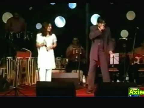 Arey Rafta Rafta Dekho Aankh Meri Larri Hai ( The Great Amit Kumar & Sneha Pant Live )