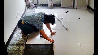 видео Укладка плитки - как класть плитку на пол своими руками правильно