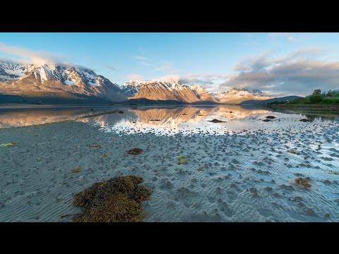 """Con estos calores que padecemos cada día en nuestras latitudes, ¿como será el verano en el Ártico?...Recordemos que durante esta estación del año en este lugar el sol no se posa. Es el denominado """"sol de medianoche"""" cuando en teoría debería verse un negro cielo repleto de estrellas..."""