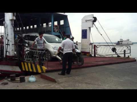 Co Chien Ferry ((Phà Cổ Chiên))