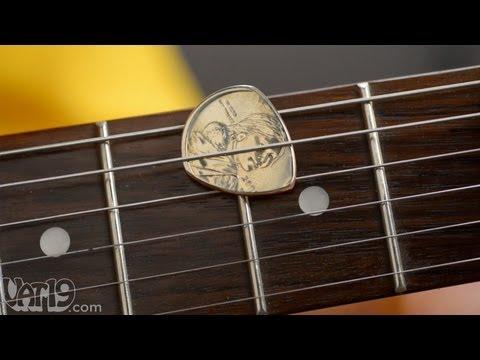 dollar-coin-guitar-pick
