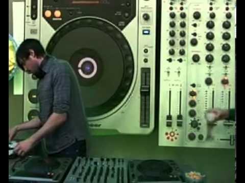 22:30:00 - Burnski @ RTS.FM Moscow Studio - 13.02.2010: DJ Set