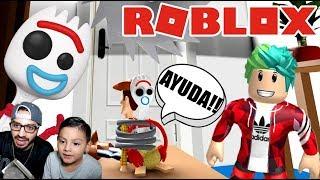 Forky y Woody Atrapados en Roblox | Karim al Rescate | Juegos Karim Juega