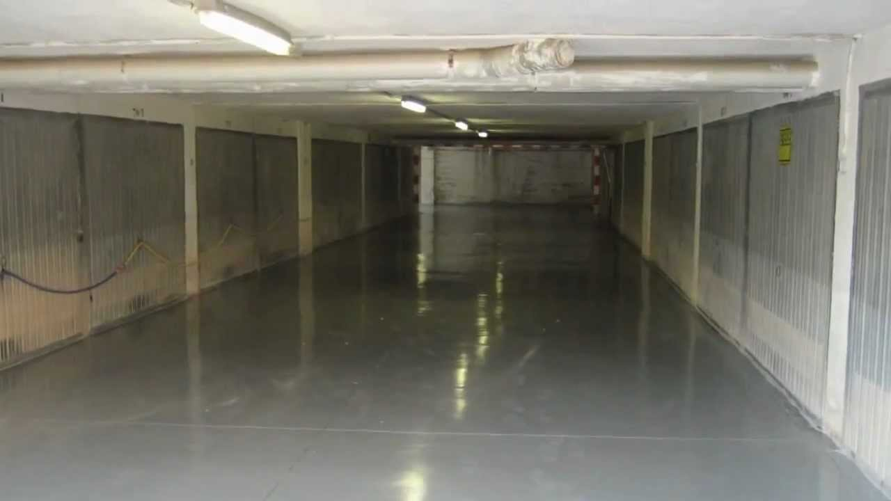 Aplicacion de resina epoxi en suelo de calpe youtube - Pintura suelo parking ...