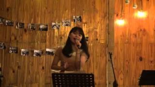 """Hoa cúc vàng - Hồng Ngân [Đêm nhạc """"Tình đầu"""" - Xương Rồng Coffee & Acoustic]"""