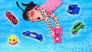 아기상어 타요 핑크퐁이 태풍이 불어서 사라졌어요!! 할아버지와 유니와 함께 아기상어 가족을 찾아볼까요? Yuni and Grandfather saves toy Minibus