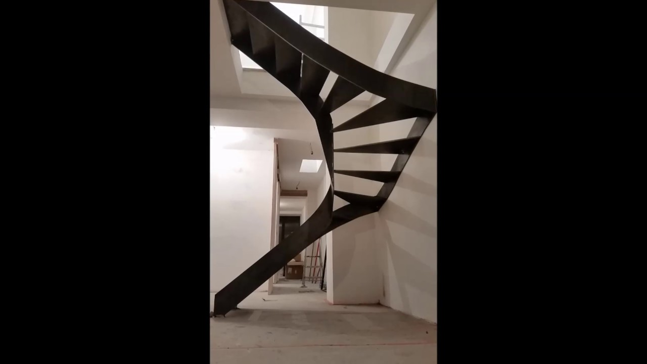 Escalier demi tournant acier brut coupe laser youtube - Calcul escalier demi tournant ...