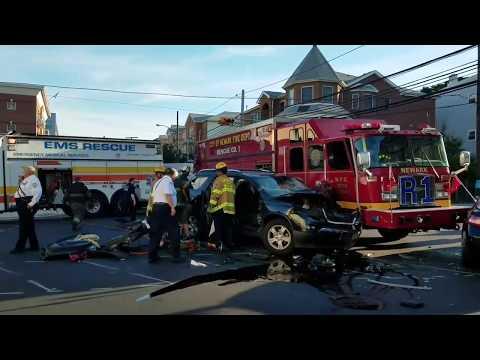 Newark Nj Fire Department Fire Truck Involved Crash W/Entrapped  Rescue 1 6-24-17