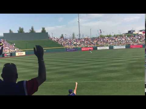 Kris Bryant RBI single against the Dodgers in spring training