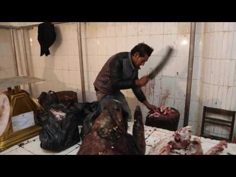 Bhoutan Thimphou Vendeurs de viande / Bhutan Thimphou Meat sellers