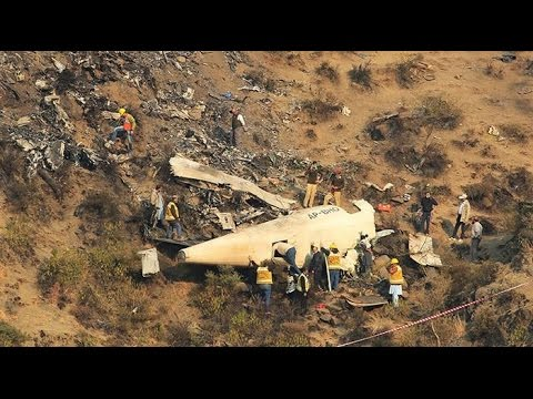 Real Footage of PIA Plane Crash Moments