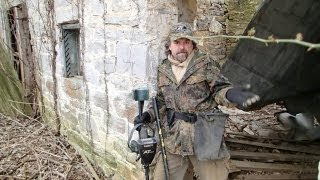 Metal Detecting Around An Old Stone Building