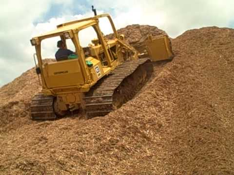 caterpillar d5 dozer moving mulch up a hill youtube rh youtube com Cat D6N Bulldozer Cat Bulldozer Clip Art