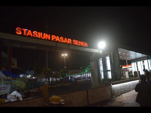 stasiun-pasar-senen-jakarta-pusat-tidak-ada-habisnya-penumpang