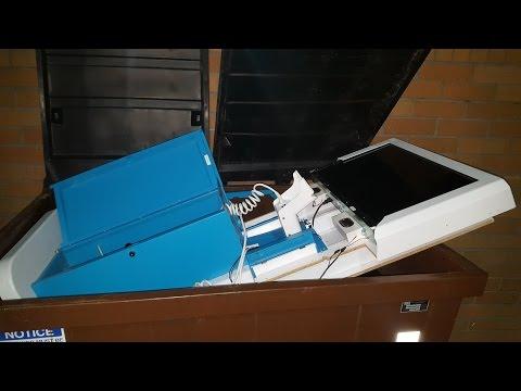 Wii U Kiosk Find! Gamestop Dumpster Dive