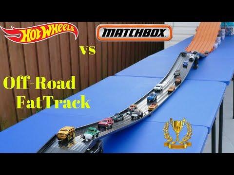 Hot Wheels vs Matchbox epic fat track off-road tournament race