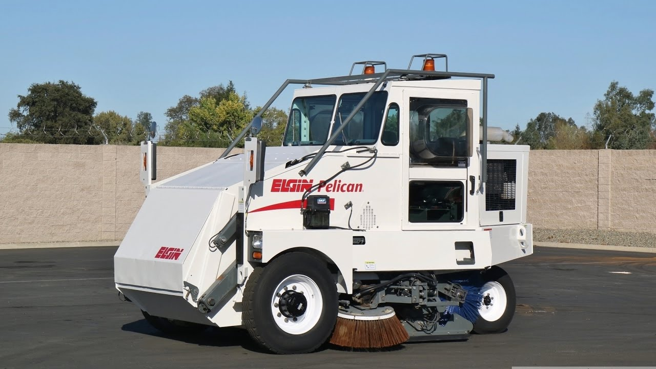 2005 Elgin Pelican Broom Street Sweeper Youtube