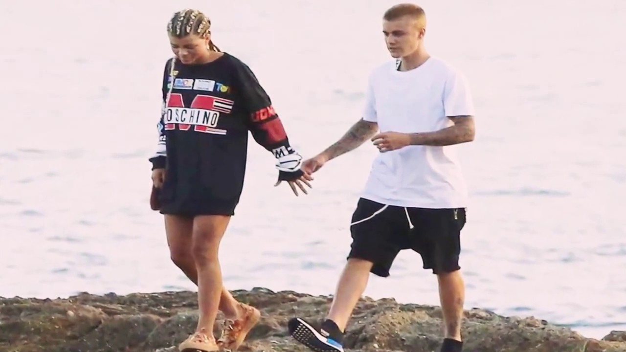 Download Justin Bieber's Home, Girlfriend and Cars 2017