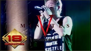 "KERENN.. !! "" FIVE MINUTES "" AISYAH 2 LIVE KONSER JAKARTA 26 MARET 2016"