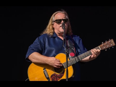 "Warren Haynes - ""Give Me Love (Give Me Peace On Earth)"" (George Harrison) - Mountain Jam 2016"