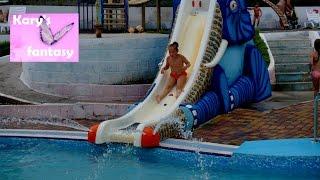 VLOG  Крым Аквапарк Голубой Залив Crimea Fun in Aquapark(Сегодня мы посетили #аквапарк Голубой Залив. Кэри покорила все самые классные и страшные взрослые #горки...., 2016-07-21T10:47:25.000Z)