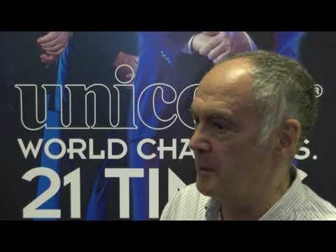 Sid Waddell speaks to Stuart Pyke