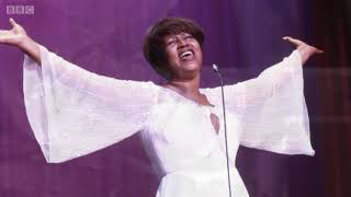 Morre Aretha Franklin, a