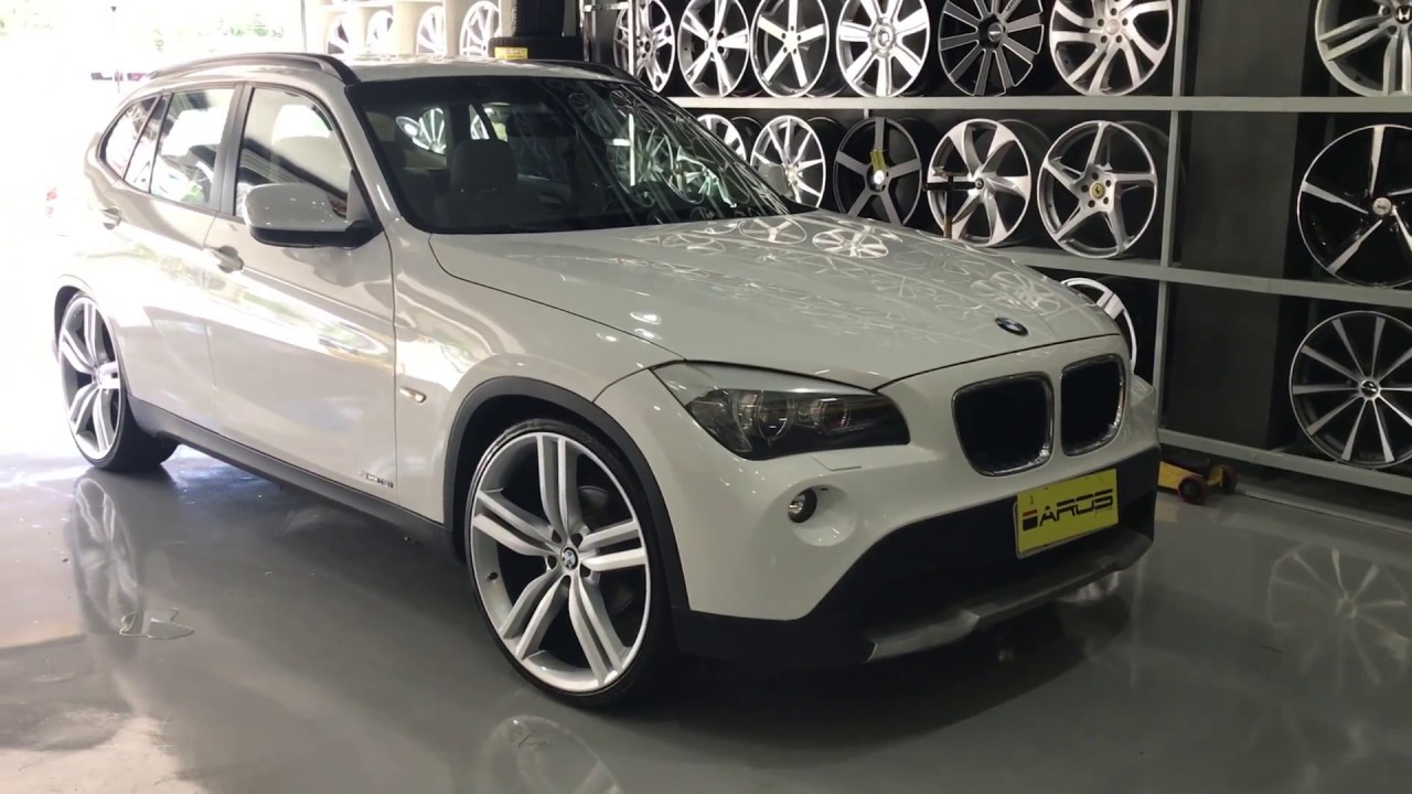 bmw x1 com rodas 22 pneus 235 30 r22 youtube. Black Bedroom Furniture Sets. Home Design Ideas