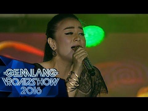 Juwita Bahar feat Anna Primadona