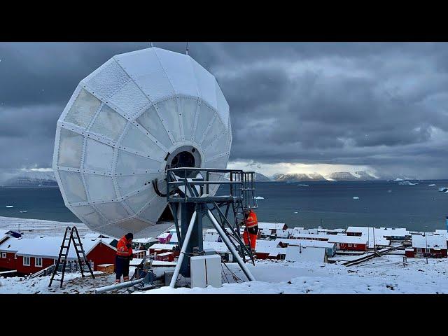 Skybrokers installed a VertexRSI 7.2m antenna in Qaanaaq, Greenland