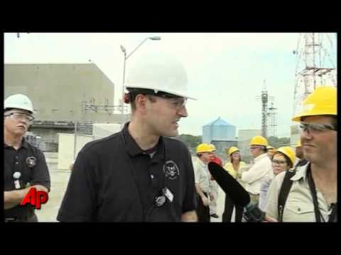 Top Nuclear Regulator Tours Neb. Nuclear Plant