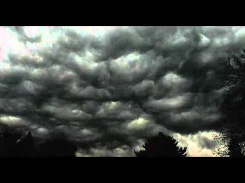 Creepy story - Dreams of Pitch Black Clouds