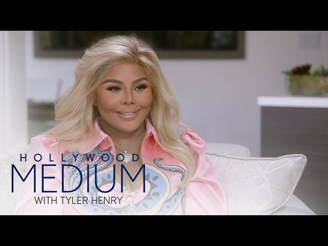 """Tyler Henry Makes Contact With Lil' Kim's Late """"Soulmate""""   Hollywood Medium with Tyler Henry   E!"""